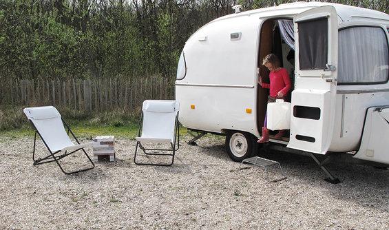 caravan_makeover_boek_ds_biod_waterhalen.jpg