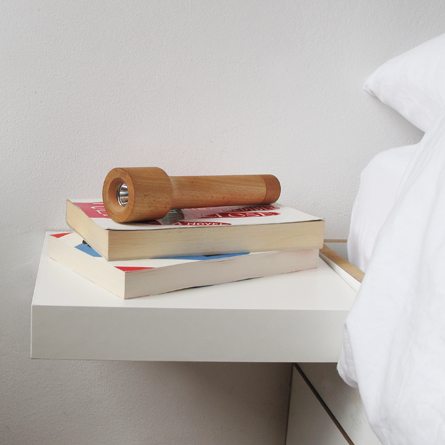 houten_zaklamp_small_bed1.jpg